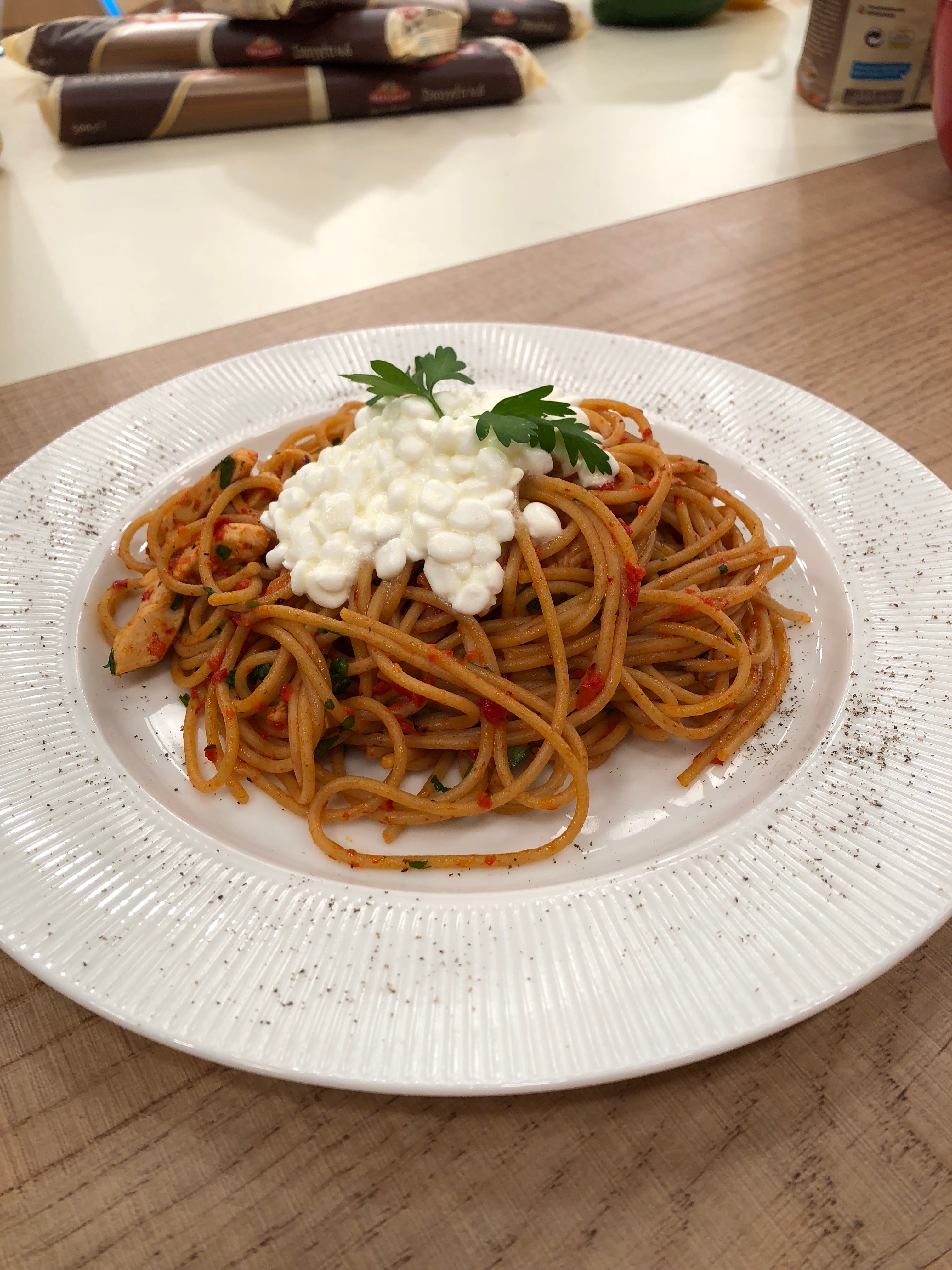 Excellent Whole Wheat Spaghetti With Chicken Red Pepper Puree Download Free Architecture Designs Embacsunscenecom