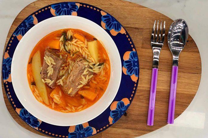 Κρεατόσουπα με κριθαράκι