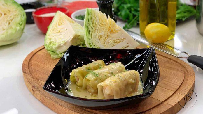 λαχανοντολμάδες με κρεμώδη σάλτσα