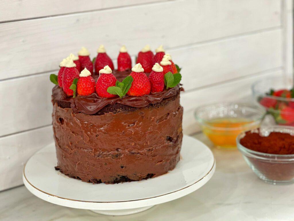 Διπλό κέικ σοκολάτας με γλάσο