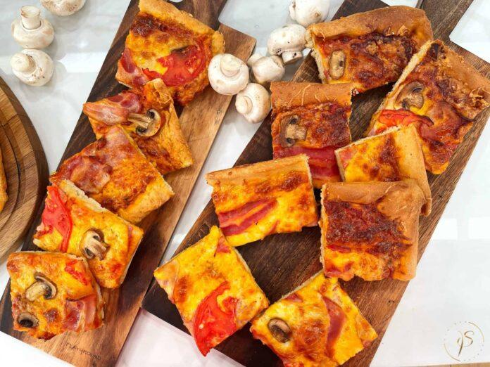 σπιτική πίτσα ταψιού
