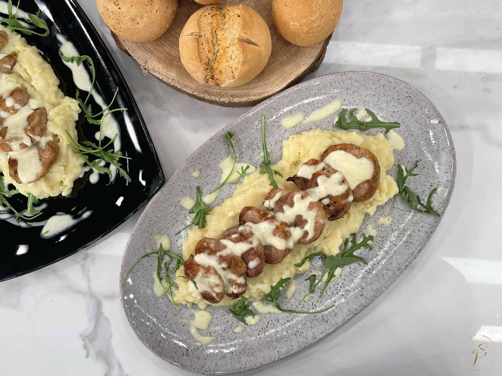 ψαρονέφρι με πουρέ πατάτας και σάλτσα παρμεζάνας