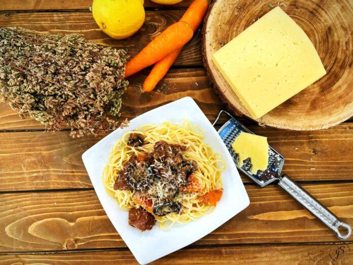 Beef with spaghetti