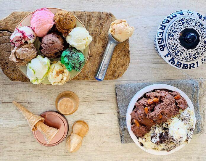 καλοκαιρινά γλυκά, δροσερά και ανάλαφρα με παγωτό, γλυκά ψυγείου και Light συνταγές